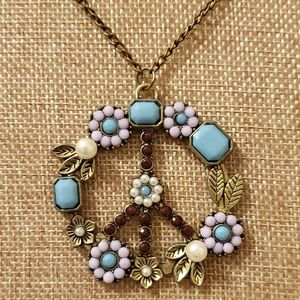 Jewelry - ♡2/$7 or 4/$10♡ Peace Sign Necklace